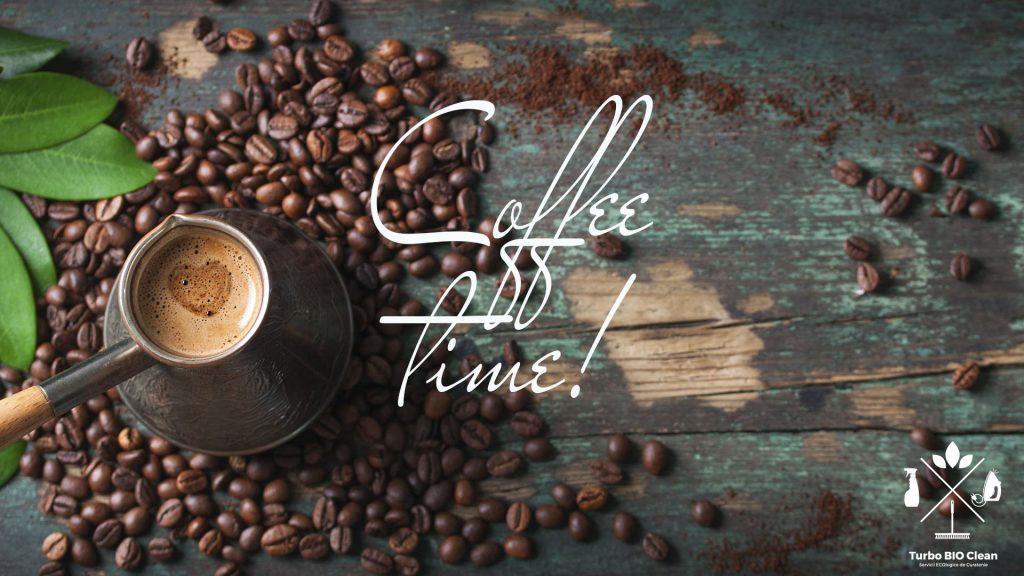 Petele de cafea îndepărtate rapid