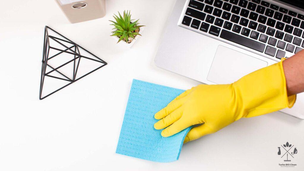 5 Pasi pentru curatenia la birou